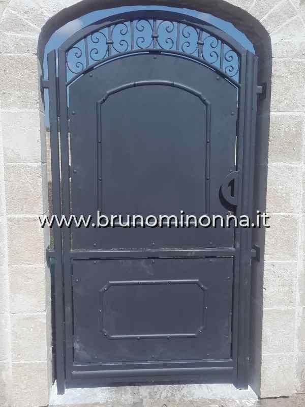 Cancello pedonale  in ferro semi lavorato a un'anta CLL0505A (foto 1) realizzato da Bruno Minonna