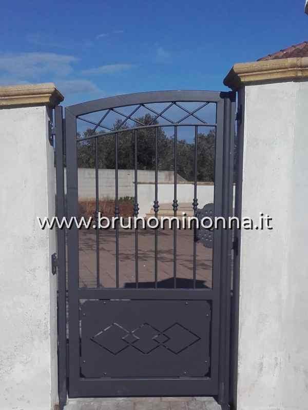 Cancello pedonale  in ferro semi lavorato a un'anta CLL8503A (foto 1) realizzato da Bruno Minonna