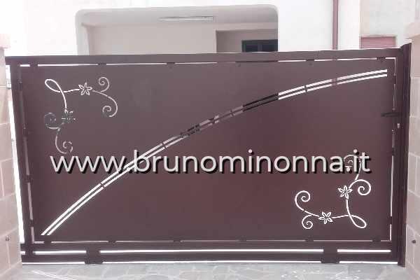Cancello pedonale  in ferro taglio laser a un'anta CLL0510A (foto 1) realizzato da Bruno Minonna