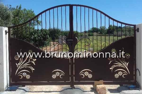 Cancello  in ferro taglio laser a 2 ante CLL9112A (foto 1) realizzato da Bruno Minonna
